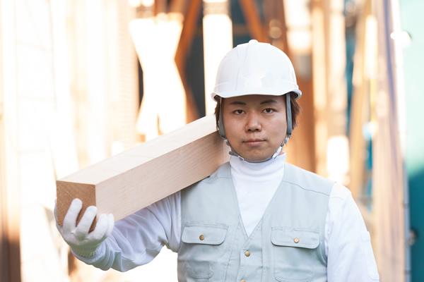 大工の年収【厚労省発表】ボーナ...